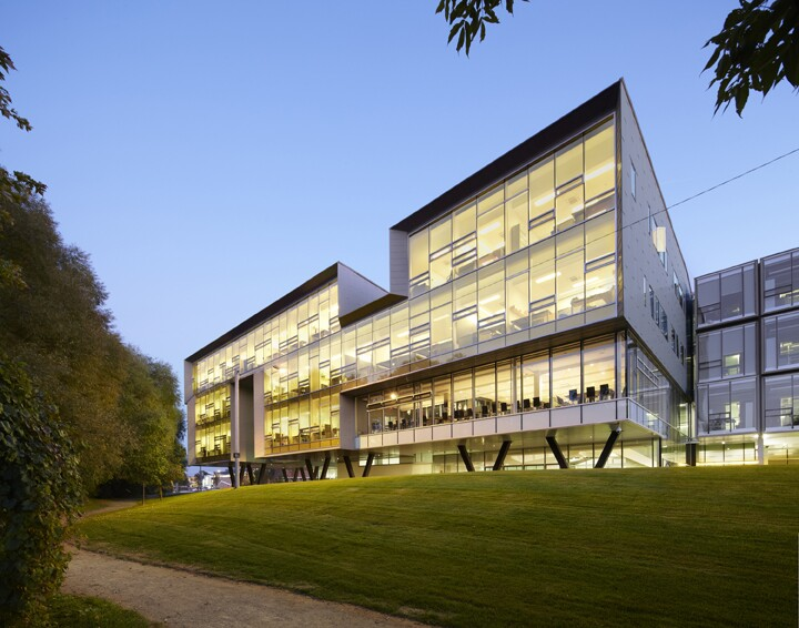 Stephen hawking center at the perimeter institute for for Architecture firms waterloo