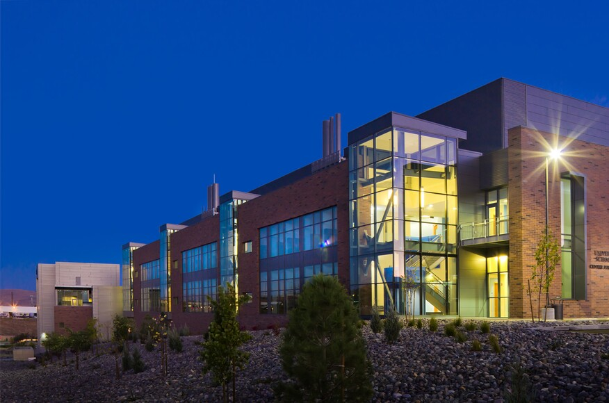 Center for molecular medicine residential architect for Local residential architects