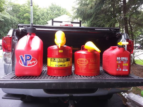 Gas Cans that Actually Work Tools of the Trade Accessories