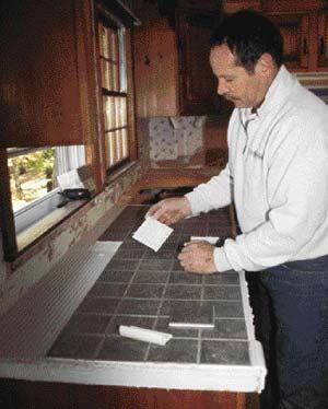 tiling kitchen countertops over laminate tiling a laminate countertop jlc finishes 8526