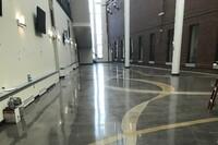 国防信息学校的地板上又出现了黄丝带
