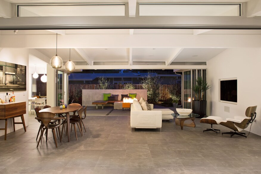 Eichler update facilitates outdoor living builder for Indoor air design san jose ca