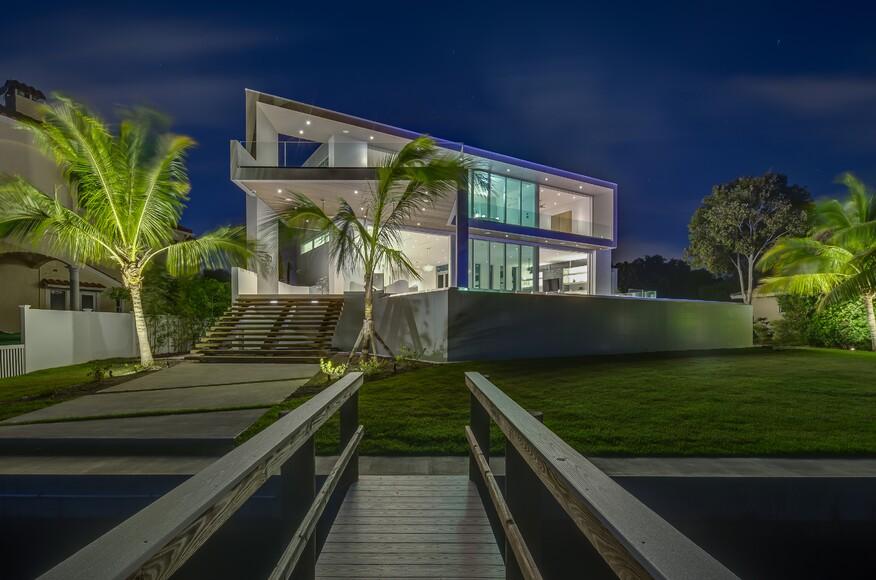 Casa pocatello architect magazine dsdg architects for Modern view decking