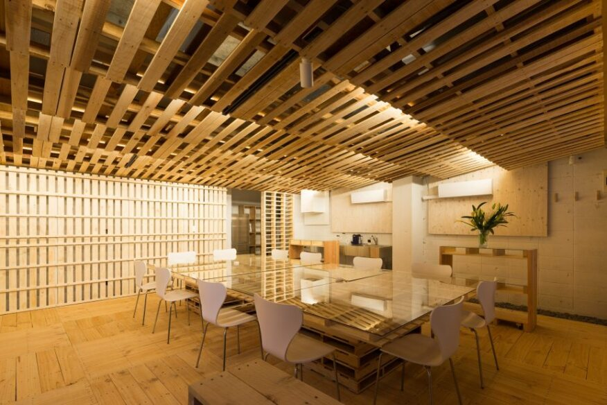 pallet office. A Palatable Pallet-Driven Office Renovation Pallet Office