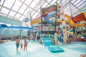 Aquatopia Indoor Waterpark At Camelback Lodge Aquatics