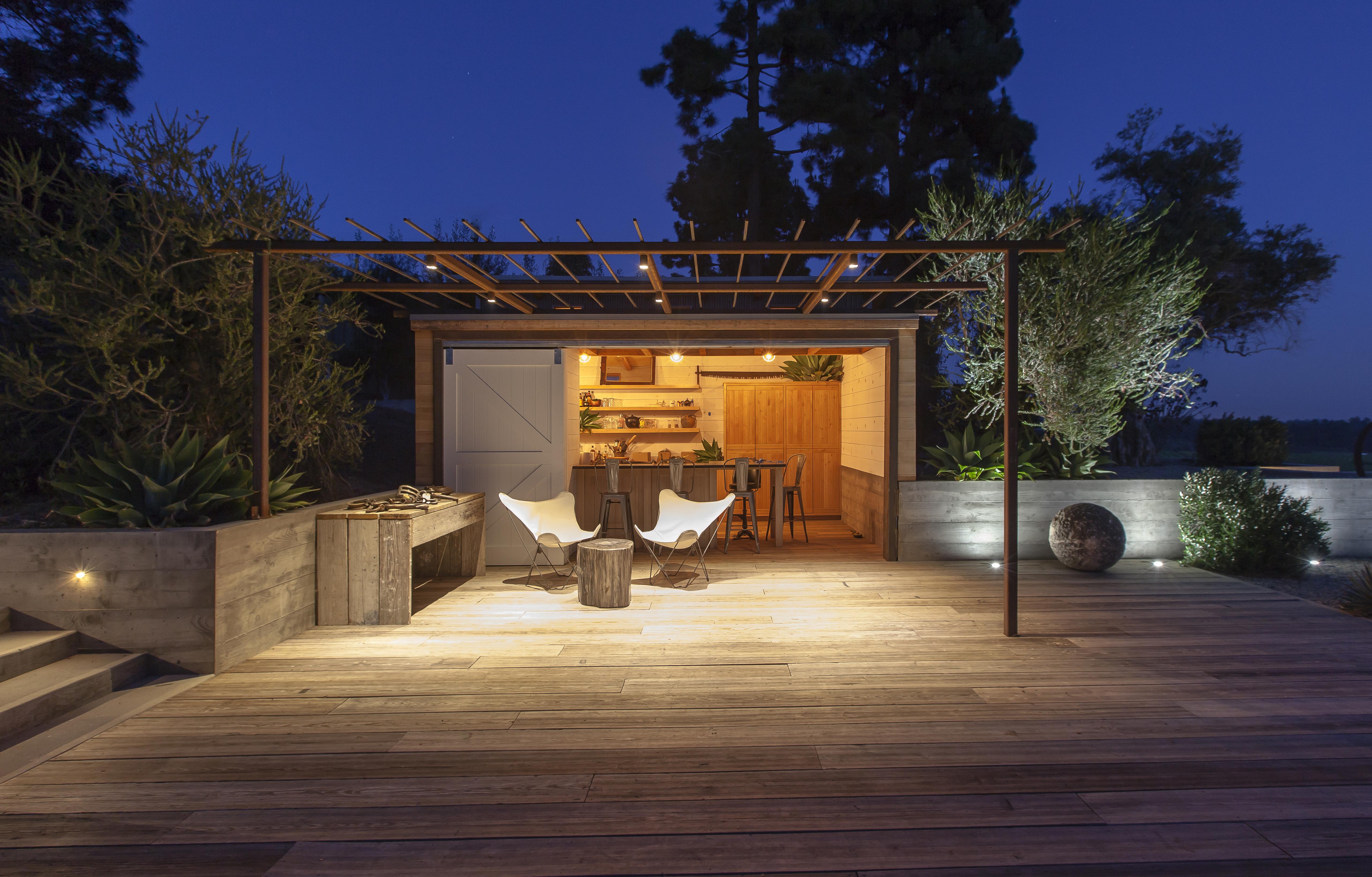 Somis poolhouse custom home magazine archipelago for Cj custom homes
