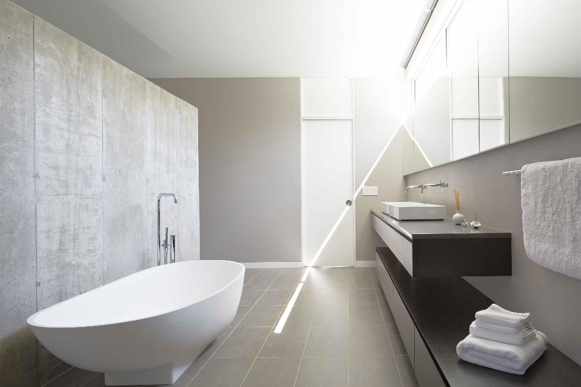 2015 Design Awards: Riverview House Bathroom | Builder Magazine ...