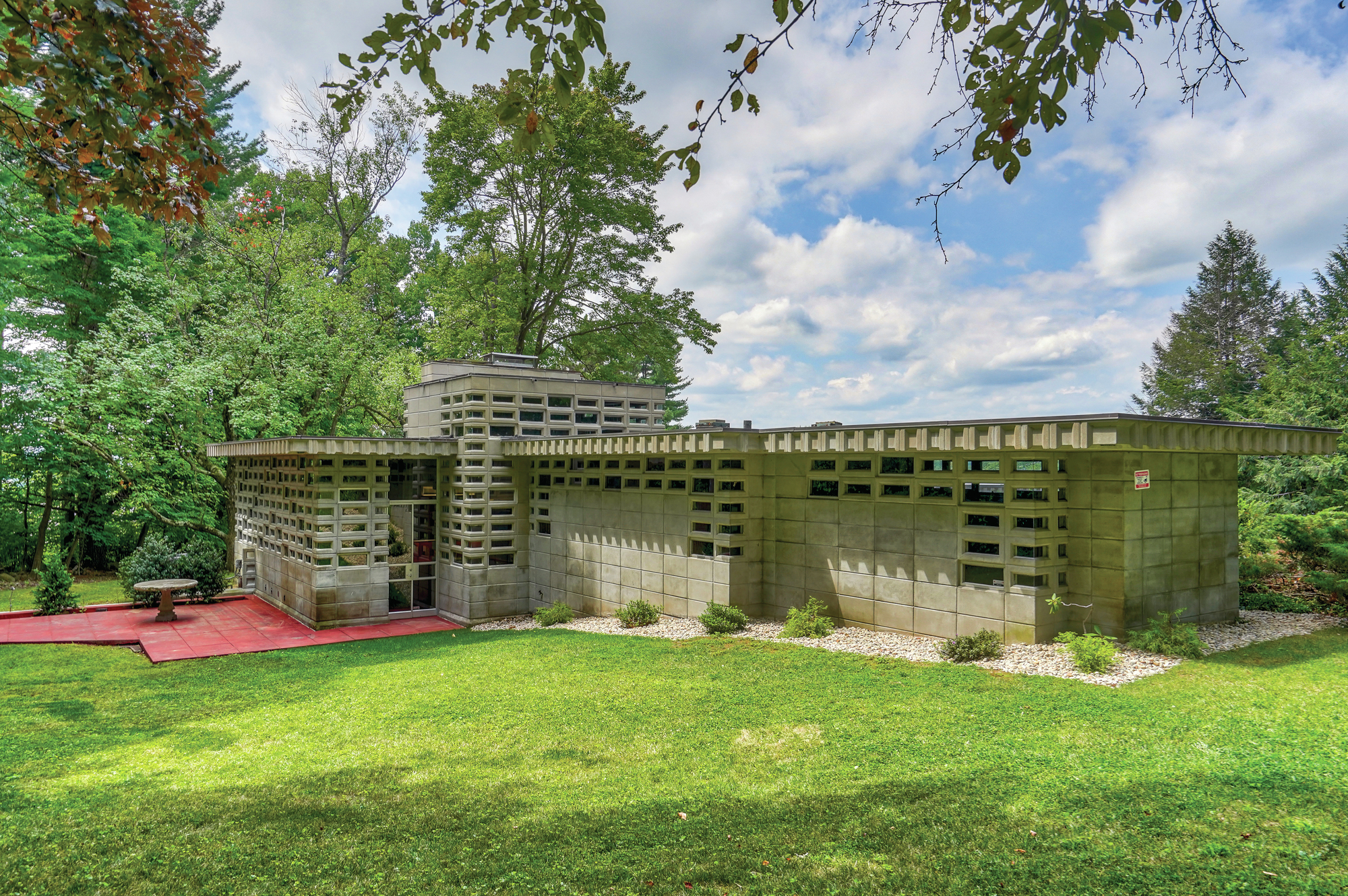 Lloyd Frank Wright Houses frank lloyd wright usonian automatic listed for $850,000