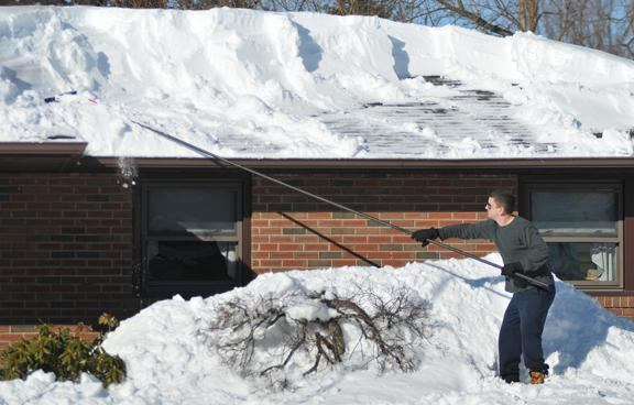 Quot Weeding Out The Weak Quot Blizzard Poses Risk Of Roof